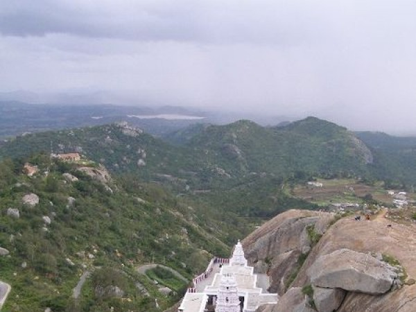 Devarayanadurga photos, Yoga Narasimha Swamy Temple - Among the Rocks