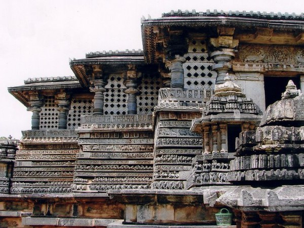 Halebid photos, Hoysaleshwara Temple - A Side view