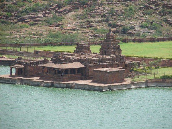 Badami Photos - Groups of temple of Bhutanatha