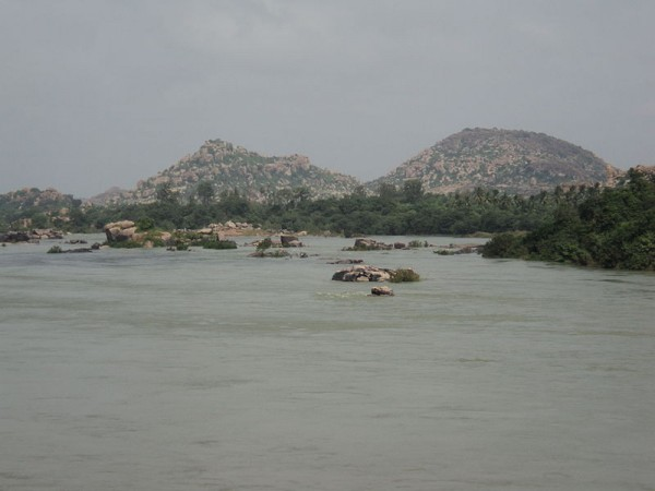 Hampi photos, Tungabhadra River