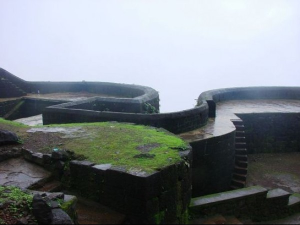 Raigarh Fort photos, Main Door Shape of Raigad Fort