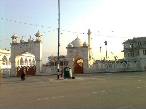 Srinagar photos, Hazratbal Mosque - An Evening at the Mosque