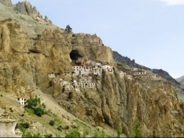 Kargil photos, Phugthal Monastery