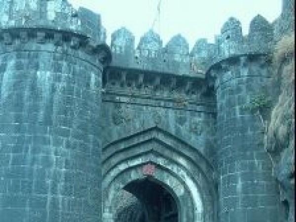 Satara photos, Ajinkyatara Fort - Entrance