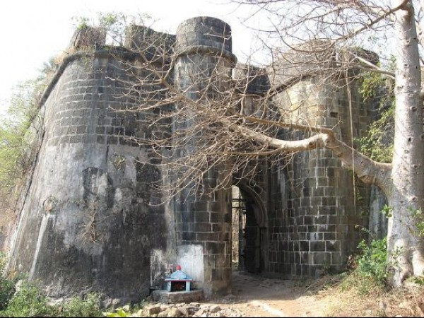 Thane photos, Bassein Fort - Entrance to fort