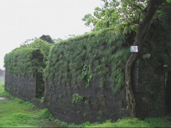 Karnala photos, Karnala Fort - The Huge Fort