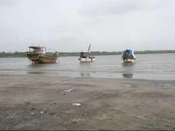 Thane photos, Kelva Beach - Boats