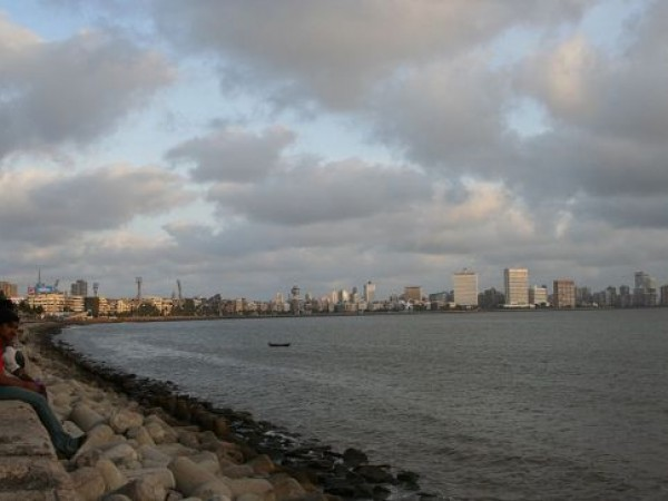 Mumbai photos, Marine Drive - Clouds at Play
