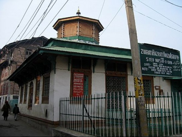 Srinagar photos, Rozabal Shrine - Outer View