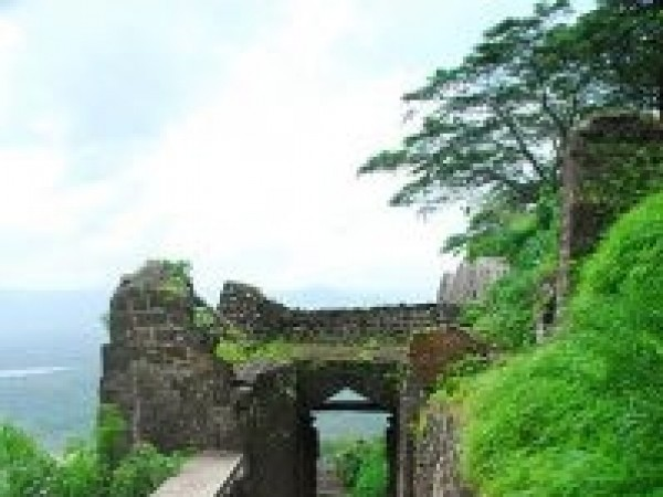 Junnar photos, Shivneri Fort - Long Path