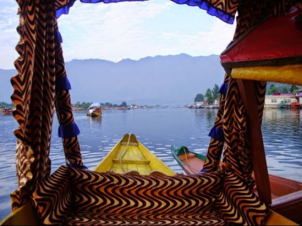Srinagar photos, Dal Lake - A Picturesque View