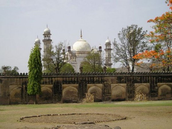 Aurangabad photos, Bibi Ka Maqbara - The Gardens Around