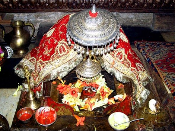 Kullu photos, Raghunath Temple - Sanctum