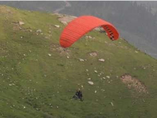 Keylong photos, Paragliding