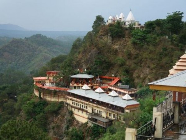 Kasauli photos, Baba Balak Nath Temple - Greenish surroundings