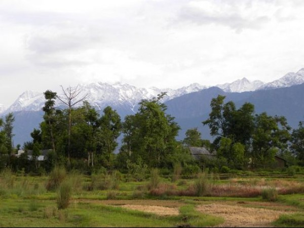 Kangra photos, Dhauladhar Ranges - Picturesque