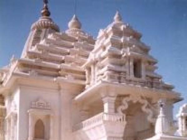 Kangra photos, Baba Baroh Temple - Temple view