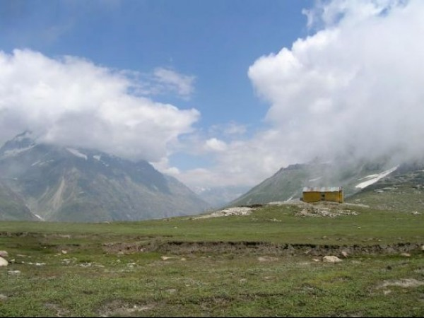 Manali photos, Rohtang Pass - Mountains Located Near Rohtang Pass