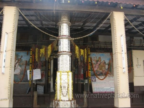 Udupi photos, Kunjarugiri Durgadevi Temple - On the way to the sanctum