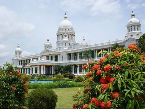Mysore photos, Lalitha Mahal - Amidst Green Gardens