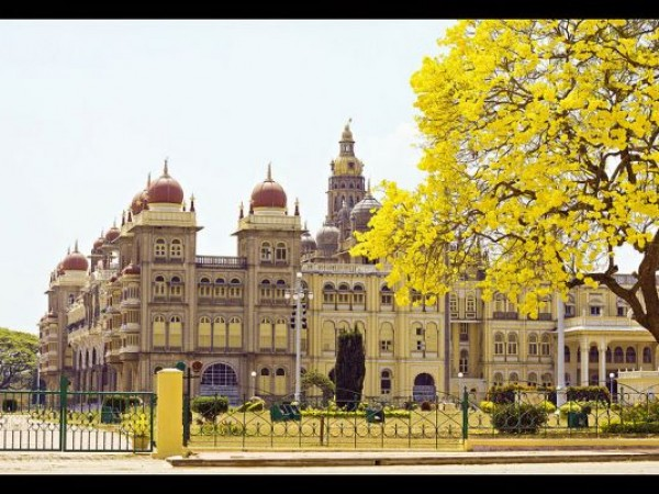 Mysore photos, Mysore Palace - On A Bright Sunny Day
