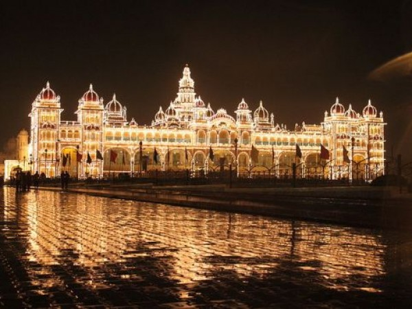 Mysore photos, Mysore Palace - Brightly Lit Up