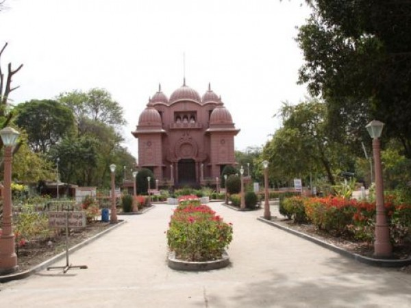 Rajkot photos, Sri Ramkrishna Math - Surrounded by Gardens