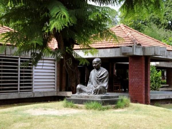 Ahmedabad photos, Gandhi Ashram - Statue of Gandhi
