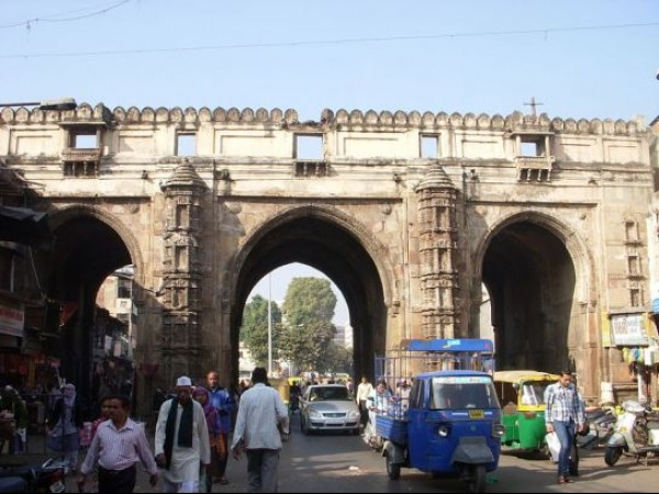 Ahmedabad photos, Old City and the City Walls of Ahmedabad - Teen Darwaza