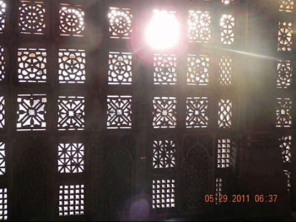 Ahmedabad photos, Sarkhej Roza - Ray of Light