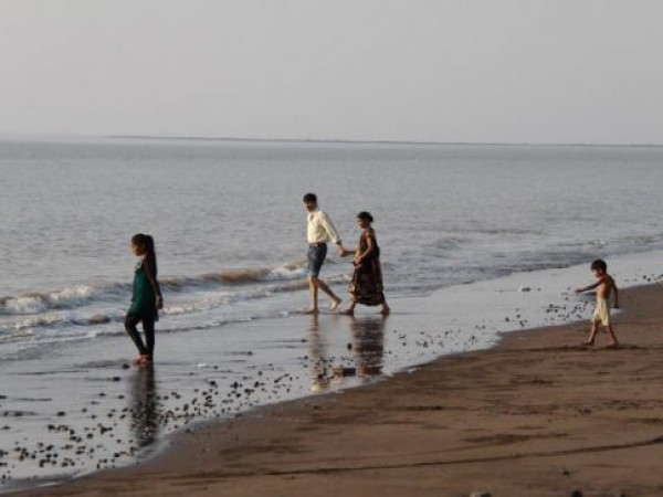 Surat photos, Suvali - Vast Beach