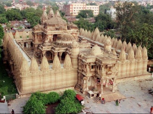 Ahmedabad photos, Hutheesing Jain Temple - With 52 Devikulas