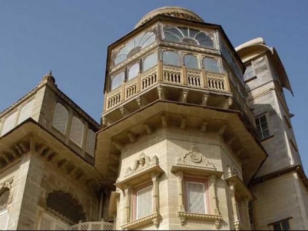 Mandvi photos, Vijay Vilas Palace - Depicting Architecture
