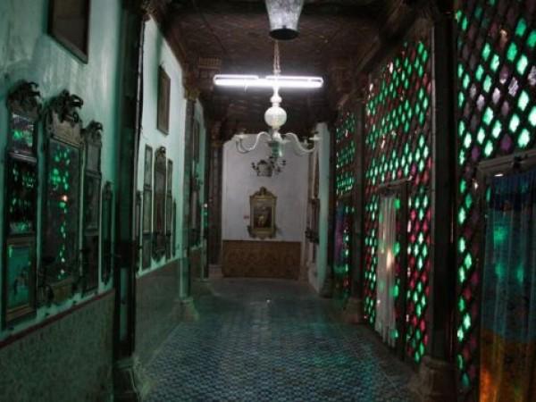 Bhuj photos, Aina Mahal - Corridor