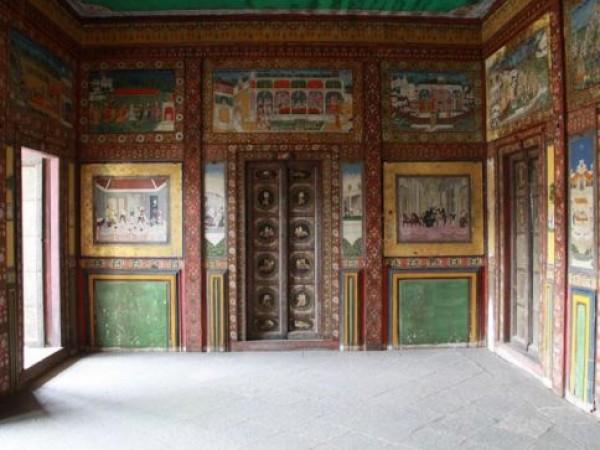 Vadodara photos, Other Buildings - Painted Walls