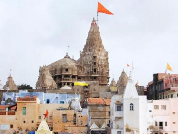 Dwarka photos, Dwarakadhish Temple - A distant View