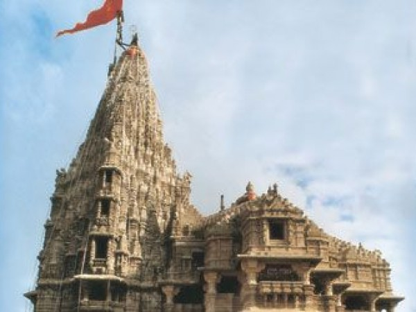 Dwarka photos, Dwarakadhish temple - Peak of the Shrine