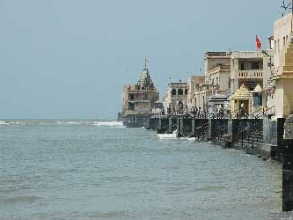 Dwarka photos, Gomati Ghat Temples - Temples on the Shore