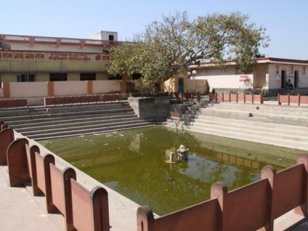 Dwarka photos, Bhalka Tirtha & Dehotsarg - The Pond