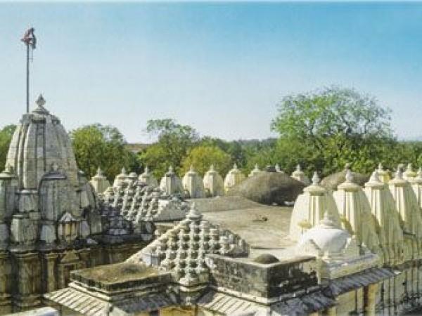 Danta photos, Taranga and Kumbharia Jain temples - Surrounded by Greenery