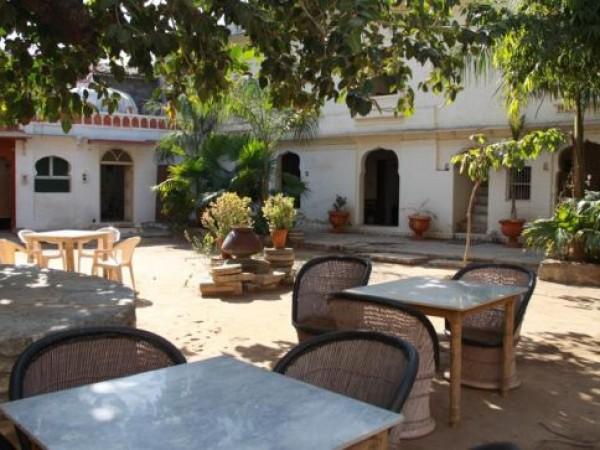 Danta photos, Poshina - The Garden at Darbargadh