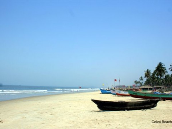 Goa photos, Colva Beach - Boats lined on the shore