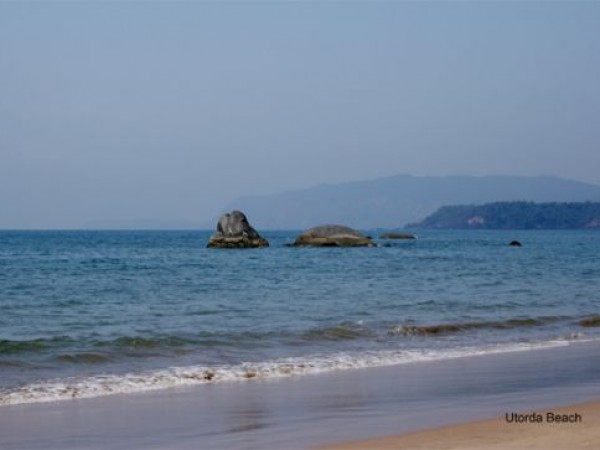 Goa photos, Utorda Beach - Shades of blue