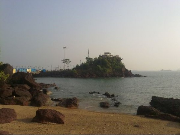Goa photos, Dona Paula - View of the Jetty