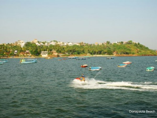 Goa photos, Dona Paula - Go Go Boat !