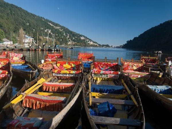 Nainital photos, Naini Lake - Colourful Boats