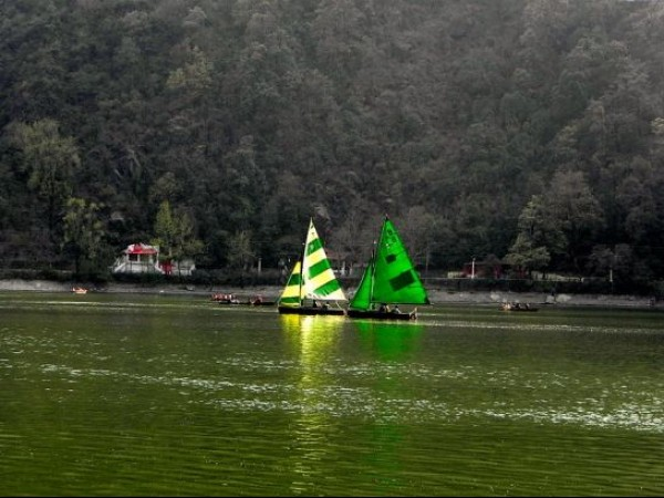 Nainital photos, Naini Lake - Yatchs