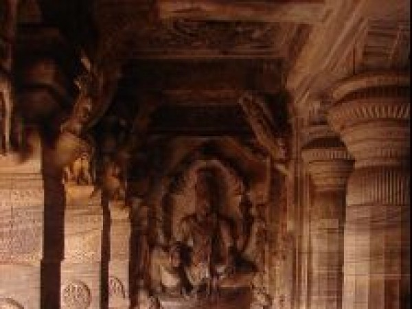 Badami photos, Cave Temple - Stone piller