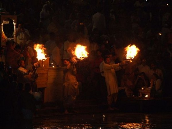 Haridwar photos, Har Ki Pauri - An aarti to the holy Ganges