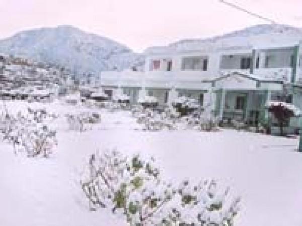 Pauri photos, Khirsu - Snow Capped Khirsu